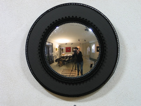 Carton noir exclusive objects mirrors frames from for Miroir de sorciere definition
